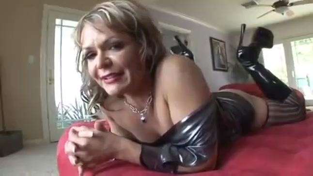 Mature Milf in stockings gets bbc destruction